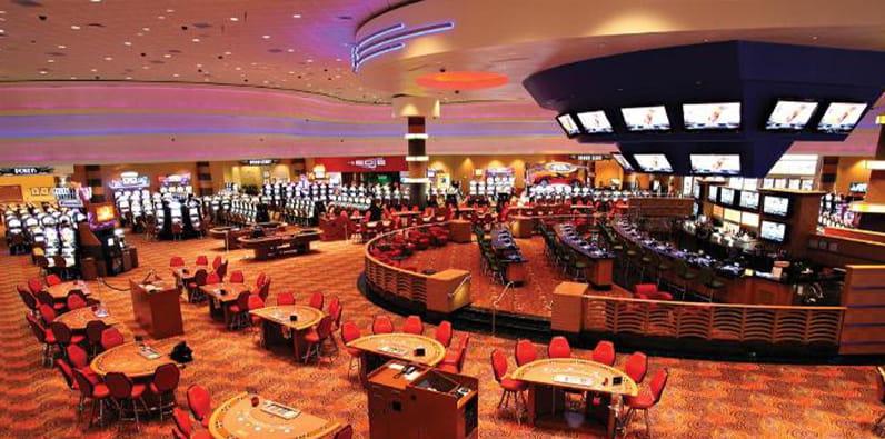 Meja permainan di Jumer's Casino and Hotel